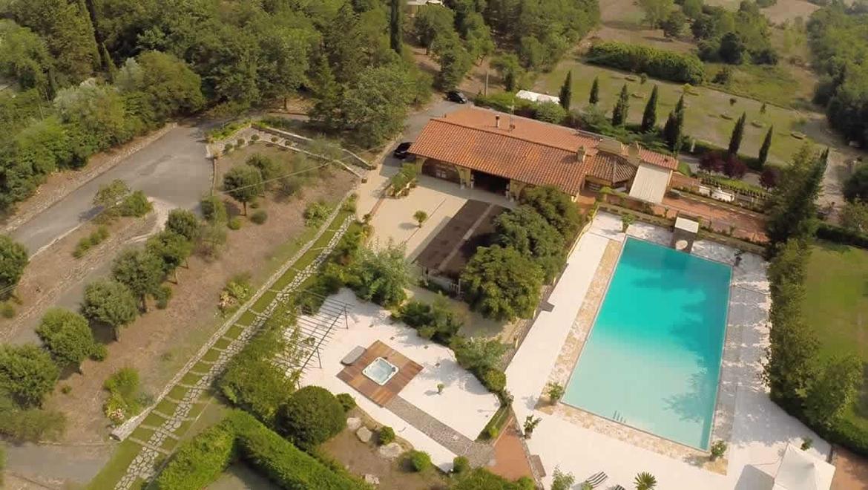 Giornata in piscina in agriturismo di lusso vicino a - Agriturismo firenze con piscina ...